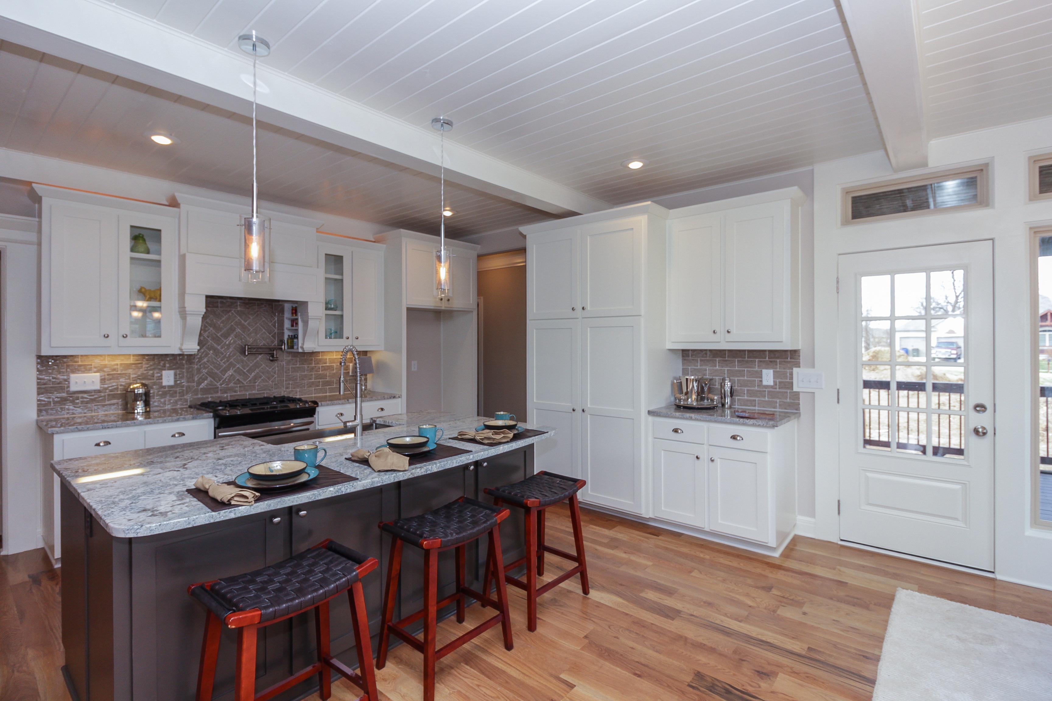 016_Kitchen wBeadboard Ceiling!